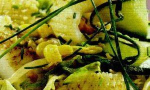 Salata_cu_peste_si_dovlecel