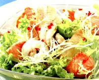 Salata cu limba de mare, somon si peste-pescar