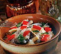 Salata de hering marinat cu ceapa si ardei