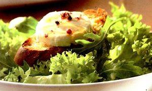 Salata_rucola_cu_branza_de_capra