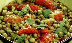 Mancare de mazare cu salata verde