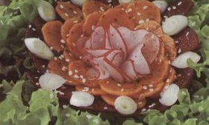 Salata_de_cruditati_cu_seminte_de_susan