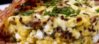 How_to_make_Scrambled_Eggs_with_Sunflower_Seeds