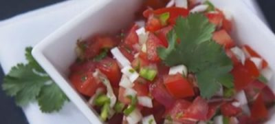 how_to_make_raw_mexican_salsa