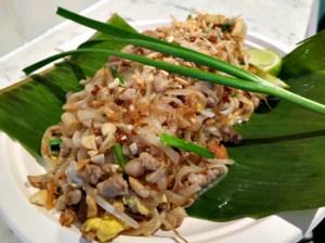 3 Phat Thai Muu Sap