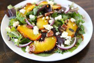 grilled-peach-salad