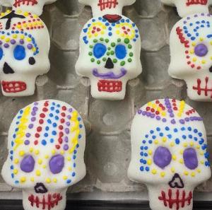 dia-de-los-muertos-sugar-skulls
