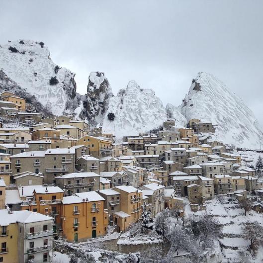 Foto da @borghitalia: Castelmezzano