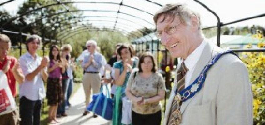 Fleet Meadow community garden is opened by Didcot Mayor