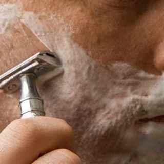 10 Best Safety Razor Blades For Sensitive Skin