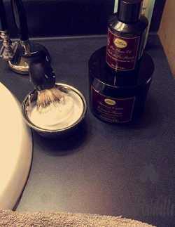 The Art Of Shaving Sandalwood Shaving Cream 1