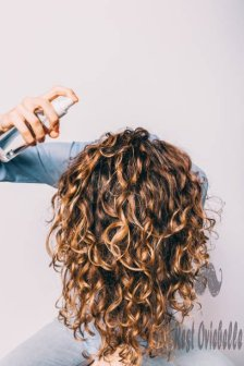 How to Apply Best Sea Salt Spray