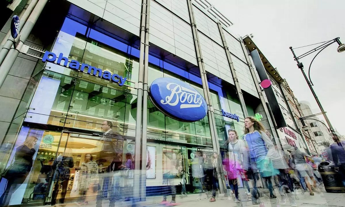 Mobile phone troubles to drag on Dixons Carphone