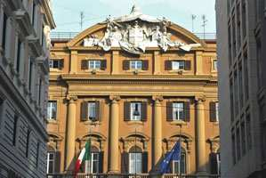 Roma: perde la mano un manifestante durante il Corteo dei Movimenti per il diritto alla casa