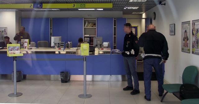 Abruzzo, rapina in taxi all'Ufficio Postale di Bagno