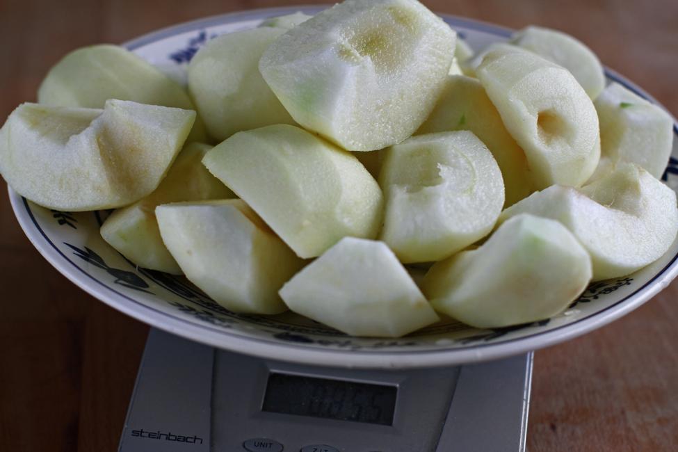 preparare mousse de mere 1 - tort cu mere si nuca