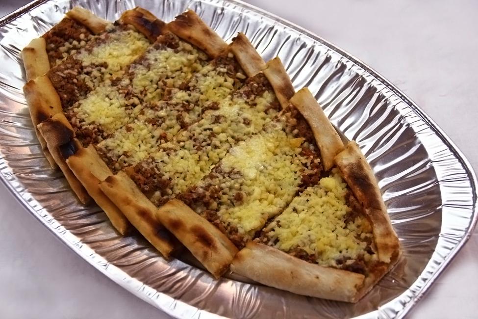 pizza turceasca - Lahmakun - restaurant turcesc Anatolya Timisoara