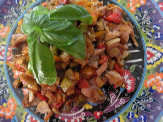Salata de pui, multicolora