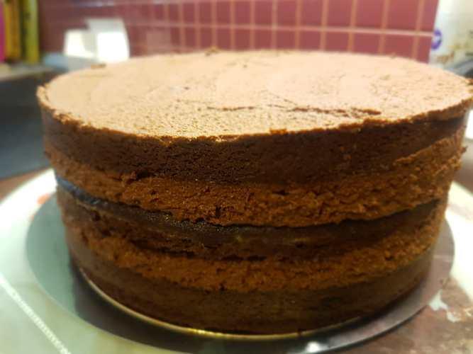 Tort de ciocolata cu tonka