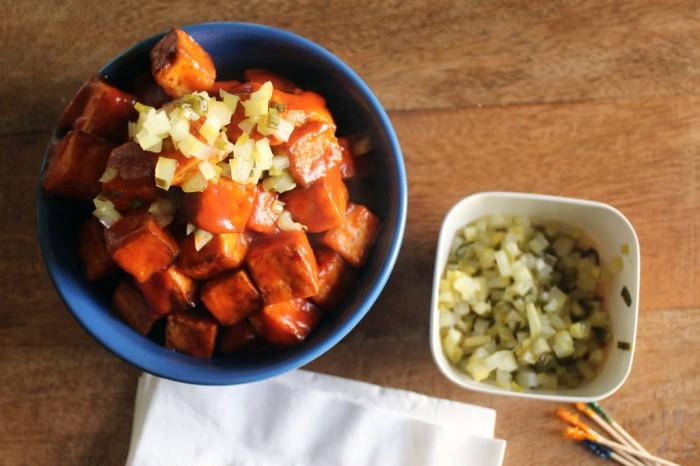 tofu-in-sos-de-rosii