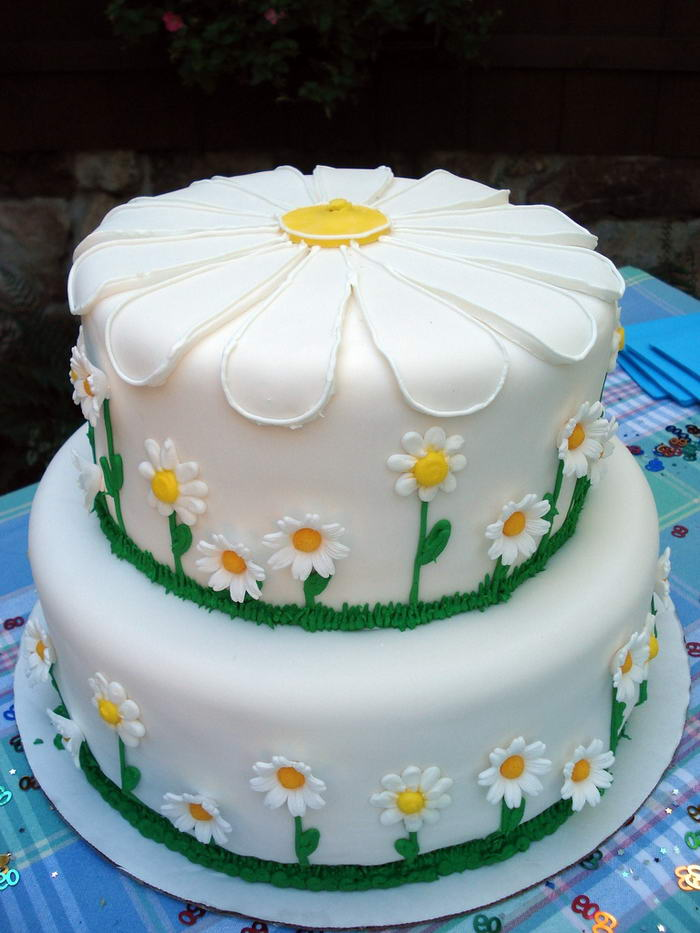 Daisy-Cake-by-cbertel