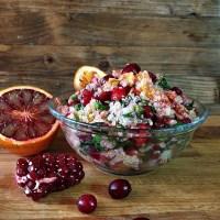 Salata de quinoa cu merisoare si portocale rosii