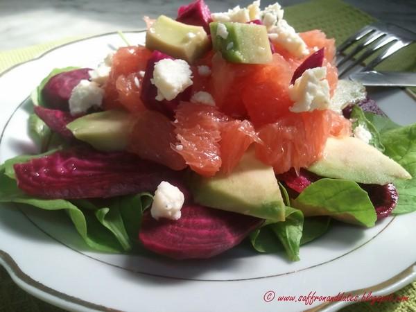 Cele mai bune retete cu avocado - Salata cu sfecla rosie, avocado si grapefruit