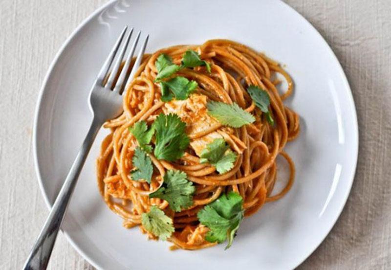Spaghete cu sos de usturoi