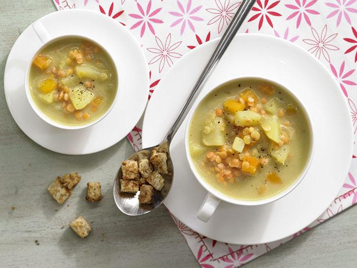 Supa-crema de linte cu crutoane