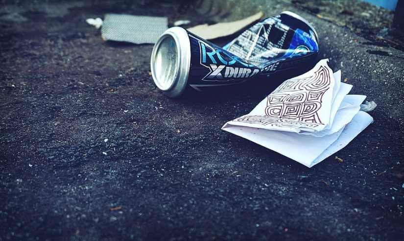 litter-garbage-rubbish-trash-street-beer-can