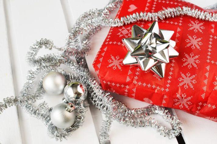 Optimized-gift-present-christmas-xmas (1)