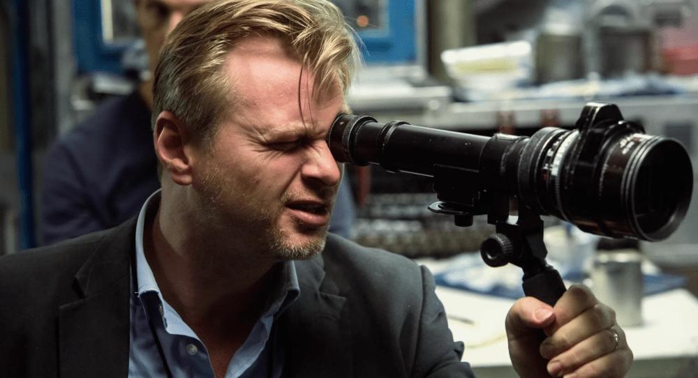 Christopher Nolan avec un chercheur de champ