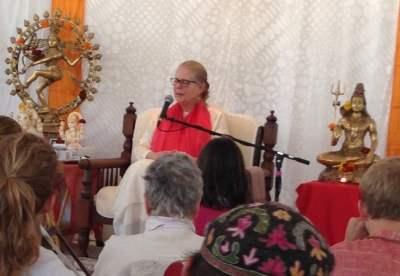 Satsang with Shanti Mayi