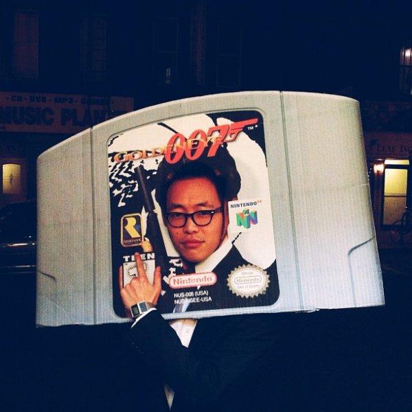 Costume de la cartouche de GoldenEye 007 sur Nintendo 64