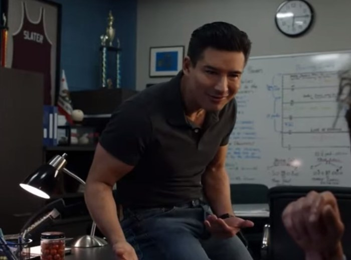 mario lopez ac slater saved by the bell reboot trailer