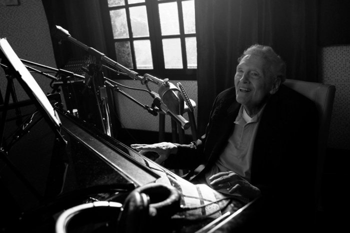 jerry lee lewis returning to music again