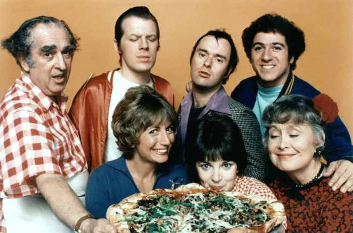 1970s-sitcoms-laverne-and-shirley