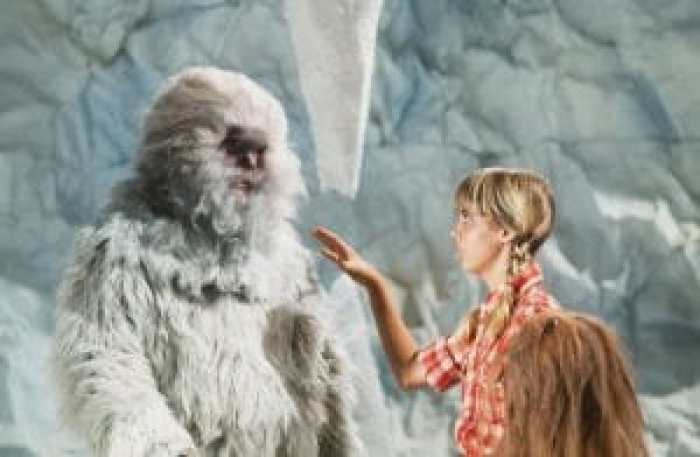 LAND OF THE LOST, (from left): Jon Locke (as The Abominable Snowman), Kathy Coleman