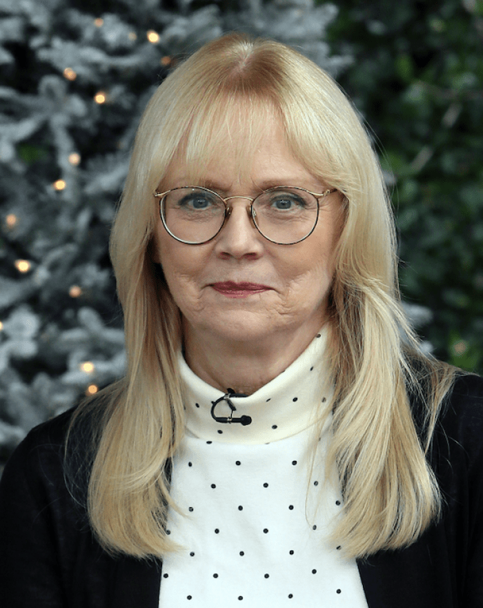 why did shelley long leave cheers