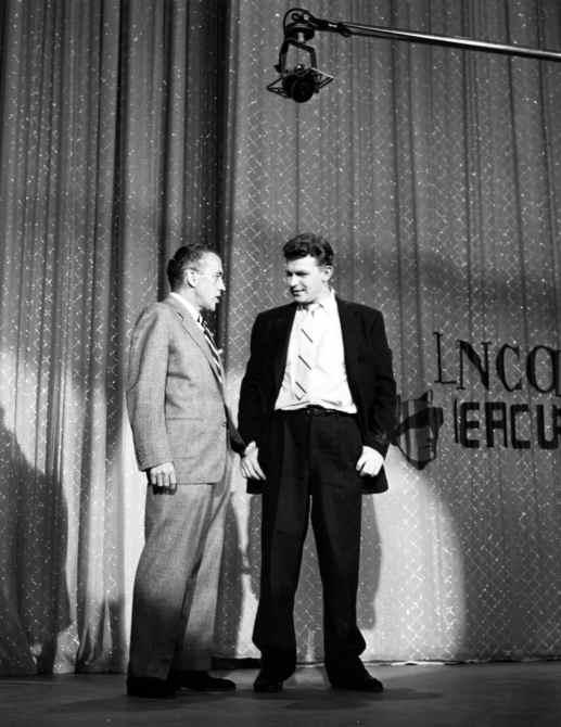 THE ED SULLIVAN SHOW, (aka TOAST OF THE TOWN), from left: Ed Sullivan, Andy Griffith
