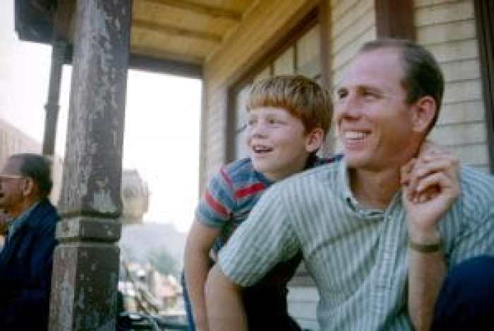 Lee Greenway became the peacekeeper who knew the show's inner workings. Pictured Ron Howard, Rance Howard