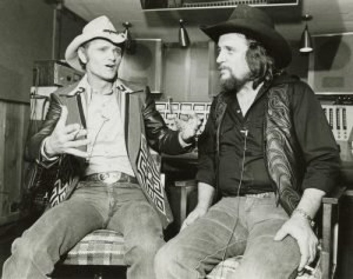 Jerry Reed embodied a strong, rugged country persona that was reflected in his music