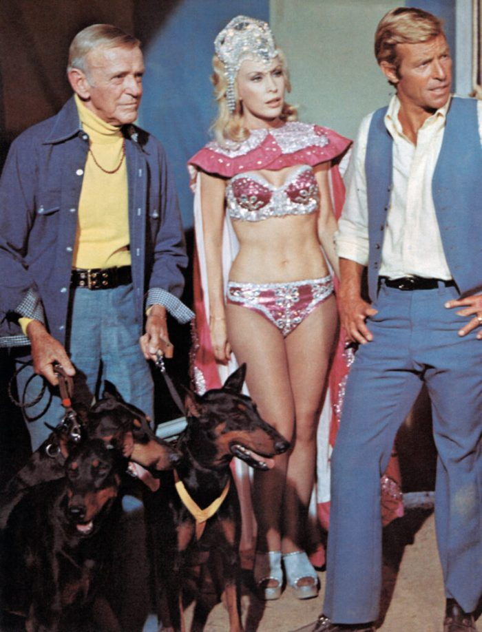 fred-astaire-barbara-eden-james-franciscus-the-amazing-dobermans