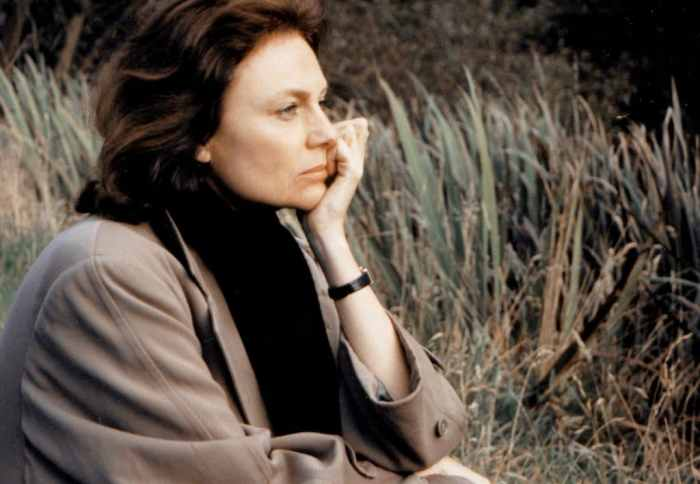 jacqueline-bisset-sleepy-time-gal