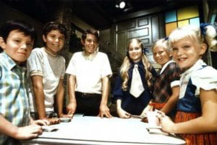 Befreo soldifying its place in TV history, The Brady Bunch had an unforgiving budget