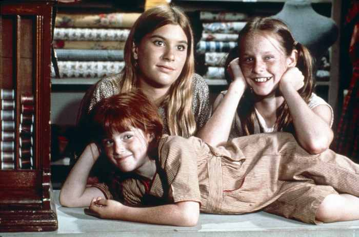 THE WALTONS, from left: Kami Cotler (front), Judy Norton, Mary Elizabeth McDonough