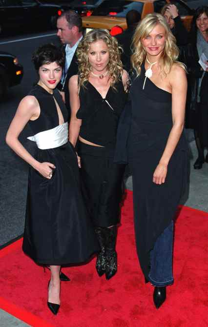"""SELMA BLAIR, CHRISTINA APPLEGATE and CAMERON DIAZ arriving at the world premiere of Columbia Pictures' movie, """"The Sweetest Thing"""""""