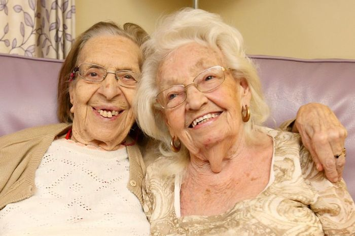 best friends of 80 years moving into senior care center together