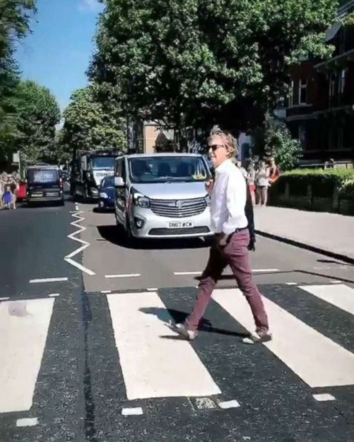 Paul McCartney crosses Abbey Road in 2018
