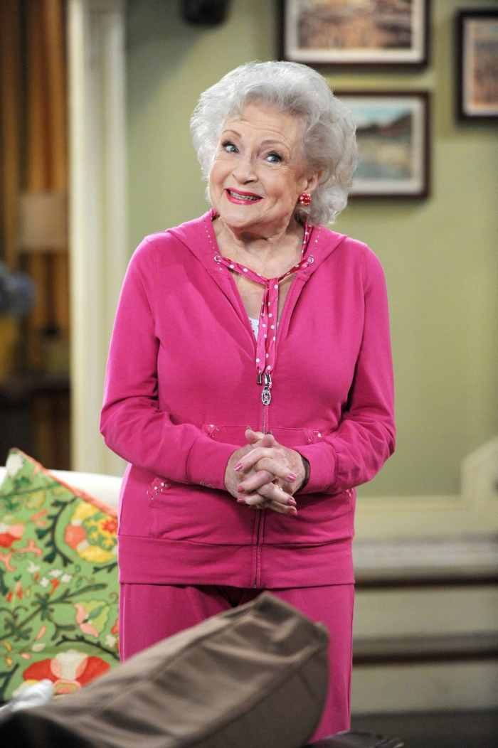 HOT IN CLEVELAND, Betty White